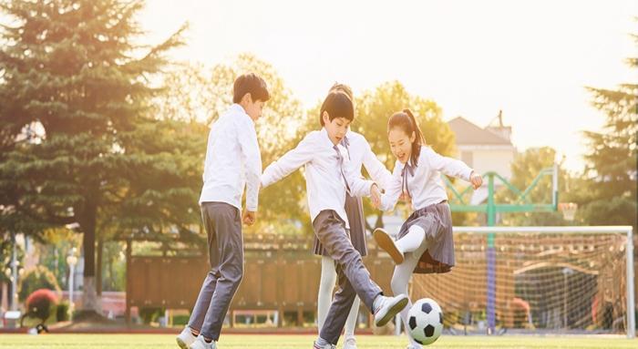 广州踢足球训练