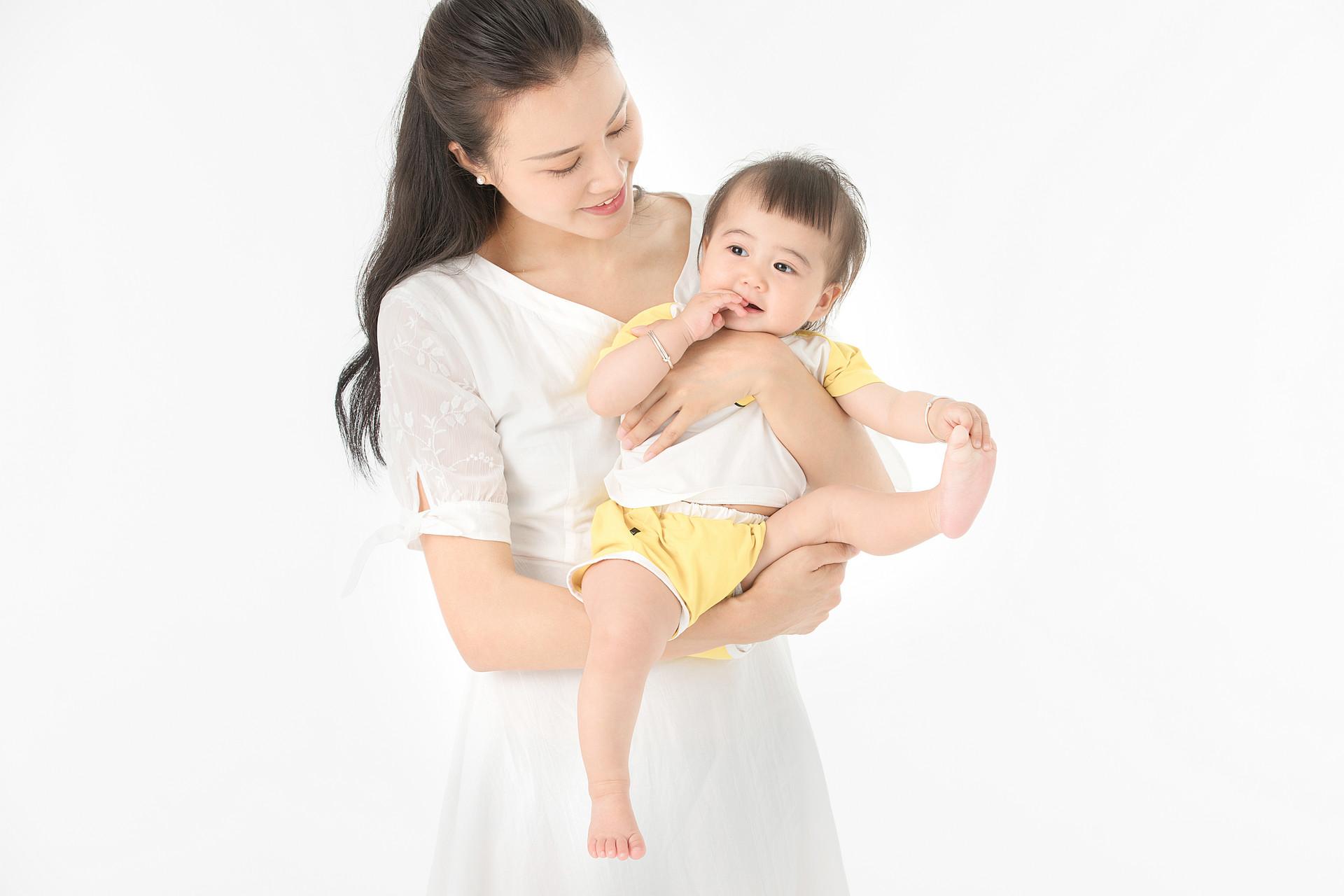 广州哪里能学育婴师