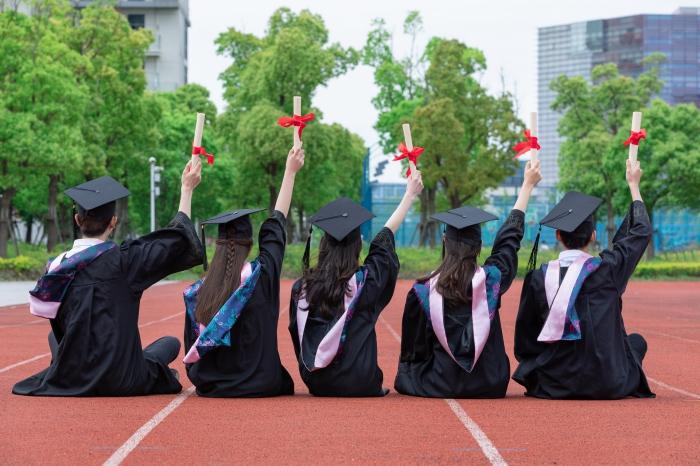 初中生可以成人高考吗?