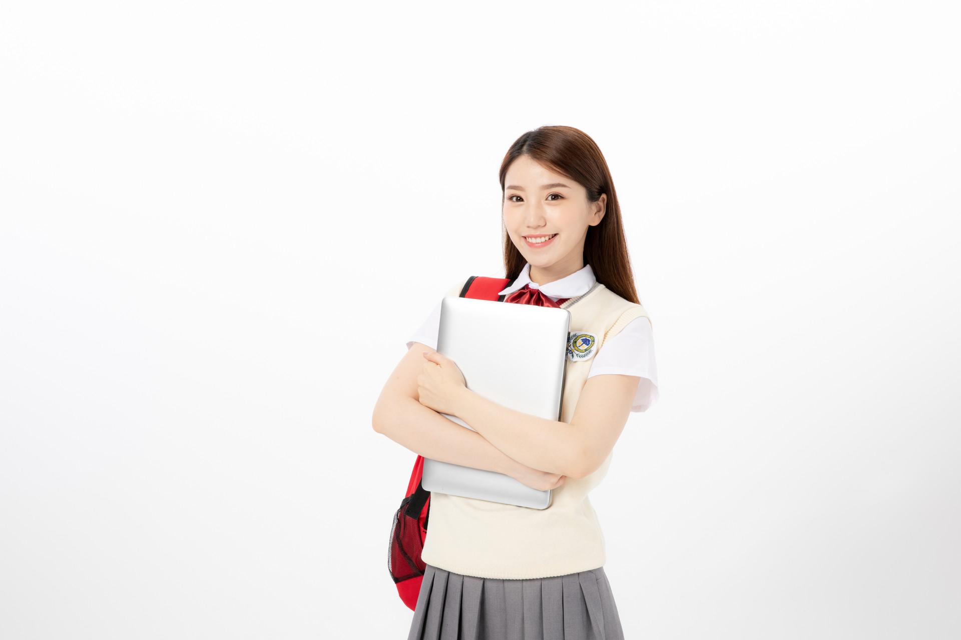昆明艺术生高考文化课冲刺学校