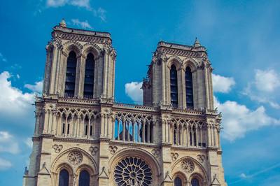 法国巴黎萨克雷大学