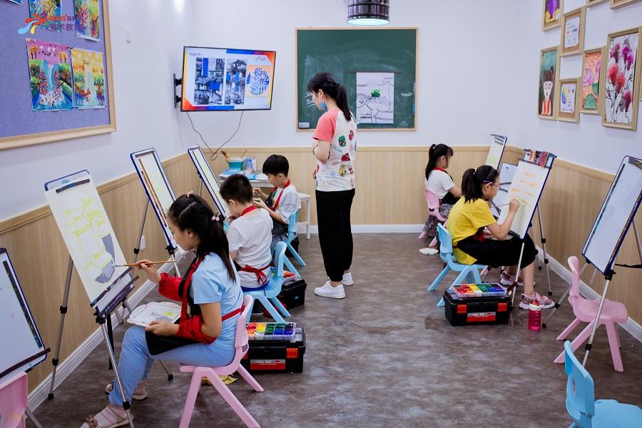 济南7-8岁儿童创意水粉课程
